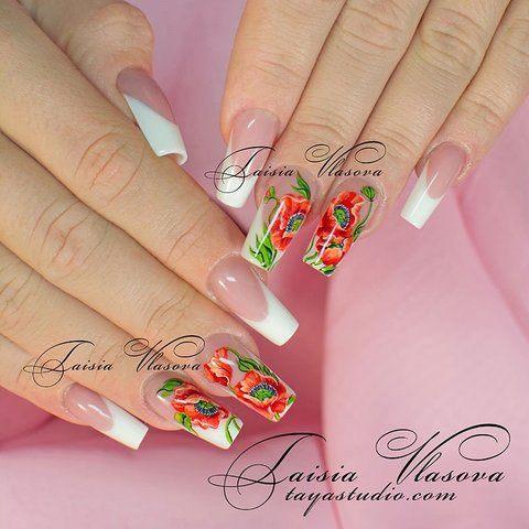 Белый френч с маками - дизайн ногтей с цветами