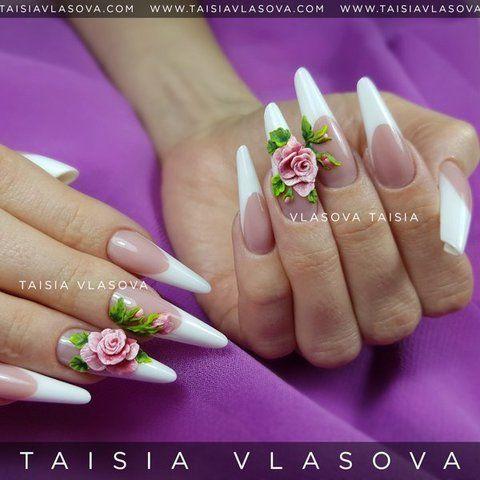 Белый френч с объемным дизайном — Роза на ногтях