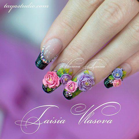 Черный французский маникюр с цветами, стразами и рельефными узорами - идея ногтей френч