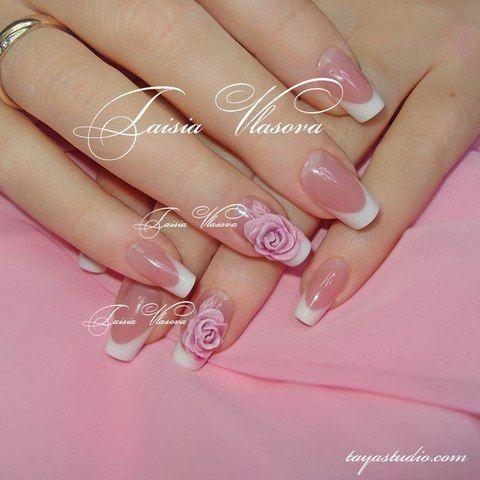 Дизайн ногтей: белый френч с объемной акриловой лепкой в виде роз
