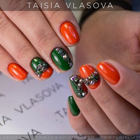 Двухцветный короткий маникюр лето 2017 - дизайн ногтей гель-лак оранжево-зеленого цвета