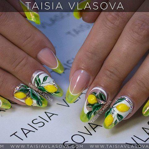 Яркий летний дизайн ногтей с объемными лимонами - оригинальный фруктовый маникюр
