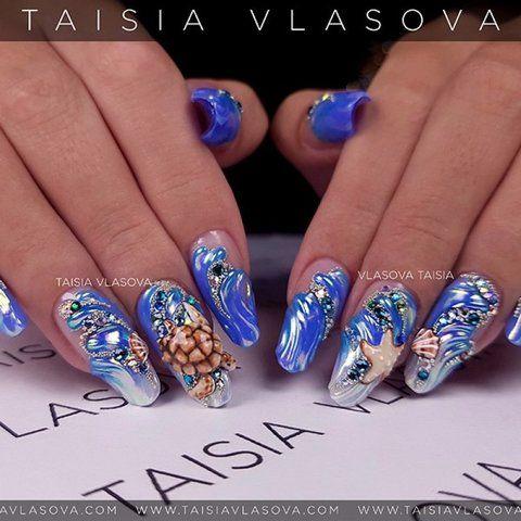 Морской дизайн ногтей с объемной черепахой и ракушками