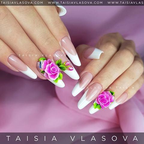Объемные розы на ногтях: френч с акриловой лепкой