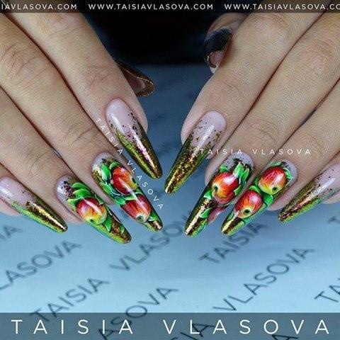 Осенний дизайн ногтей с яблоками