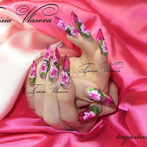 Витражный дизайн ногтей эйдж с розовыми орхидеями - художественная роспись акриловыми красками на ногтях
