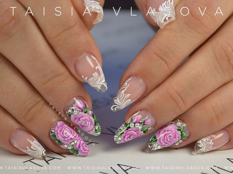 Фото ногтей с рисунком роз