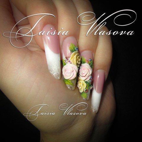 Белый френч на длинных ногтях с акриловой лепкой - свадебный дизайн ногтей