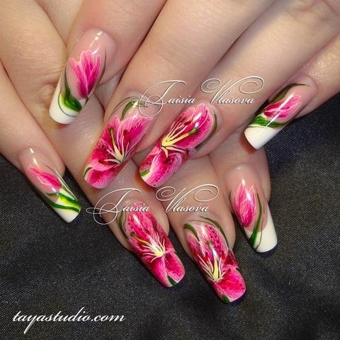 Белый френч с лилиями