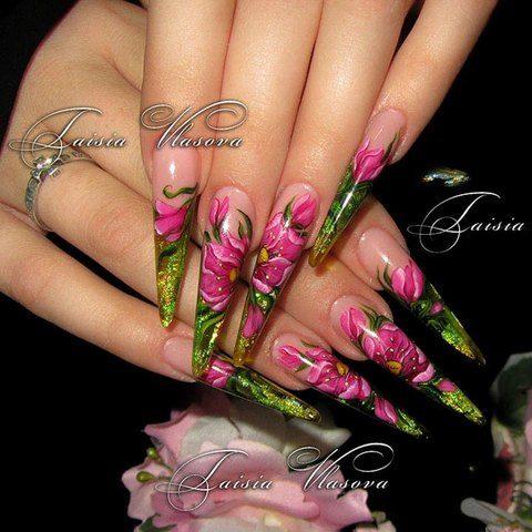 Дизайн длинных ногтей стилет с художественной росписью и