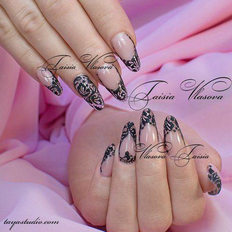 Гипюр на ногтях - маникюр с черным кружевным рисунком