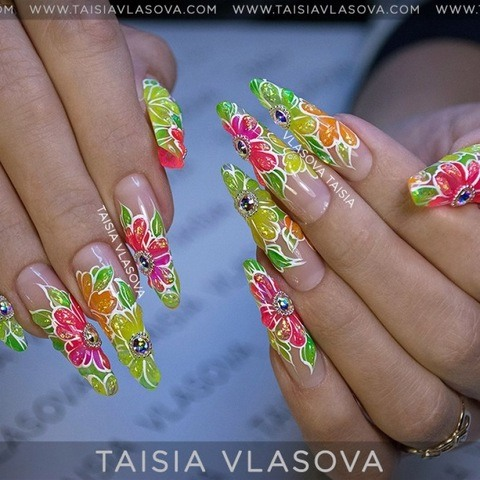 Яркий разноцветный дизайн длинных нарощенных ногтей - фото 2017