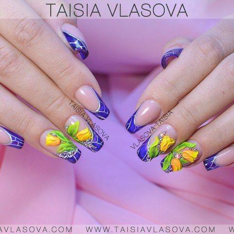 Синий витражный френч со стразами и акриловой лепкой - весенний дизайн ногтей с тюльпанами
