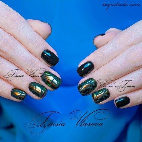 Темный маникюр с пигментом (черный гель-лак) - дизайн натуральных ногтей
