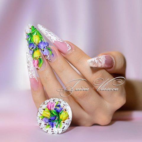 Красивый весенний дизайн ногтей - объемные тюльпаны, ирисы и белое кружево