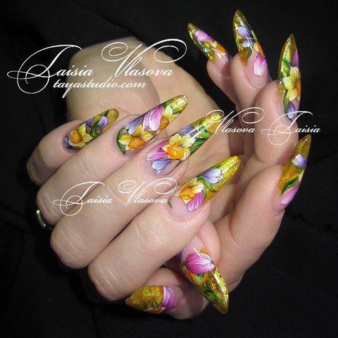 Весенний дизайн ногтей с тюльпанами и нарциссами